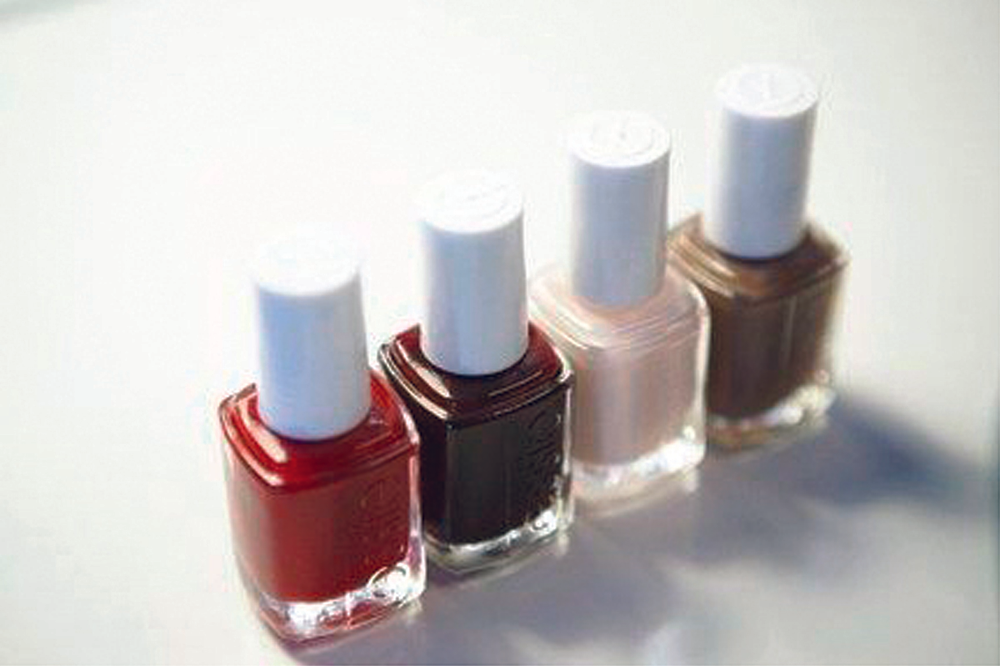 <p>Four of <strong>essie</strong>&rsquo;s best-selling shades were available for the essie mini-manis.</p>