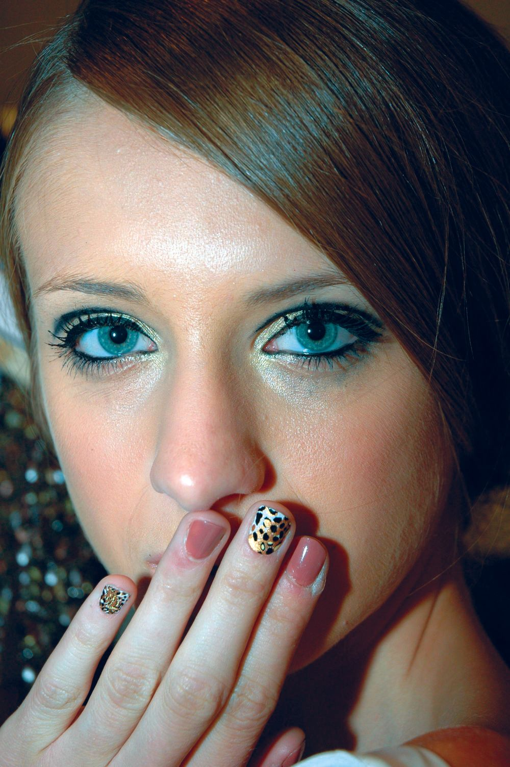 <p><strong>Dashing Diva</strong> debuted its new DesignFX nail designs at the Jad Ghandour safari-themed show.&nbsp;The designer fell in love with the fierce Cheetah/Tiger print, Feline Menagerie. The models sported DesignFX and Flatiron District polish while the men wore DesignFX on their pinky fingers.</p>