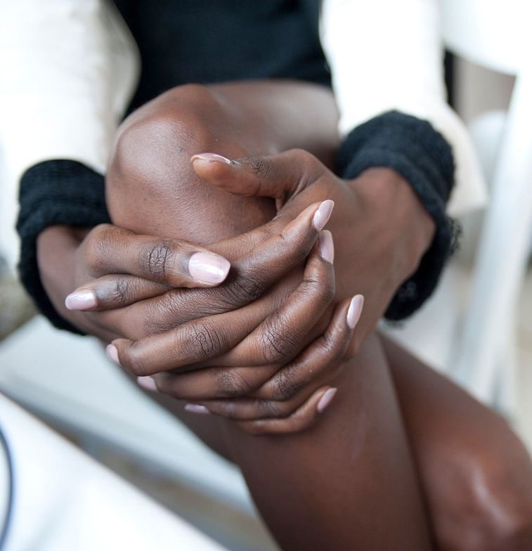 <p>The soft whimsical pairing of <strong>Essie</strong>&rsquo;s Demure Vixen and Au Natural complemented the delicate and airy creations that designer Zac Posen is known for.</p> <p><em>Photography courtesy of Essie</em></p>