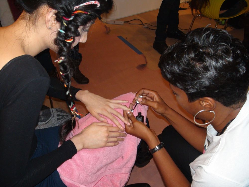 <p>For the Lindsay Degen show, manicurist Cinnamon Bowser for <strong>Priti NYC</strong> polished models&rsquo; nails in White Ballet Dahlia, Nigra, and Alister Gray Rose.</p>