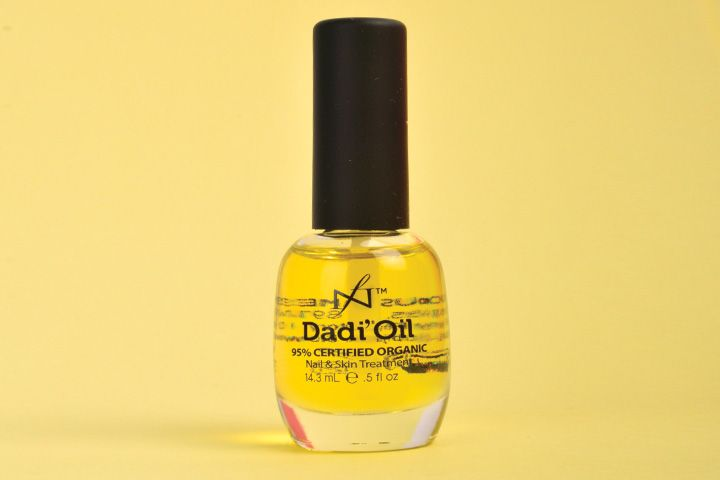 "<p>Made with certified organic oils, Dadi&rsquo;Oil from Famous Names delivers flexibility, toughness, and shine to the nail, and moisturizing benefits to the skin. It offers fast, non-greasy deep penetration and a clean, light aroma made up of 21 essential oils.</p> <p><a href=""http://www.famousnamesproducts.com"">www.famousnamesproducts.com</a></p> <p>&nbsp;</p>"