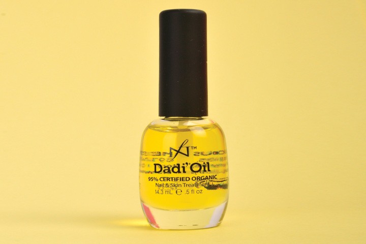 """<p>Made with certified organic oils, Dadi&rsquo;Oil from Famous Names delivers flexibility, toughness, and shine to the nail, and moisturizing benefits to the skin. It offers fast, non-greasy deep penetration and a clean, light aroma made up of 21 essential oils.</p> <p><a href=""""http://www.famousnamesproducts.com"""">www.famousnamesproducts.com</a></p> <p>&nbsp;</p>"""