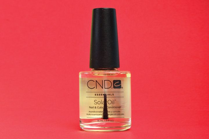 "<p>CND SolarOil Nail and Cuticle Conditioner is a nail and cuticle oil made from a synergistic blend of naturally light oils and vitamin E designed to deeply penetrate and protect skin and nails. Repeated use helps drive oils into natural nails and nail enhancements, maximizing benefits and reducing breakdown.</p> <p><a href=""http://www.cnd.com"">www.cnd.com</a></p>"