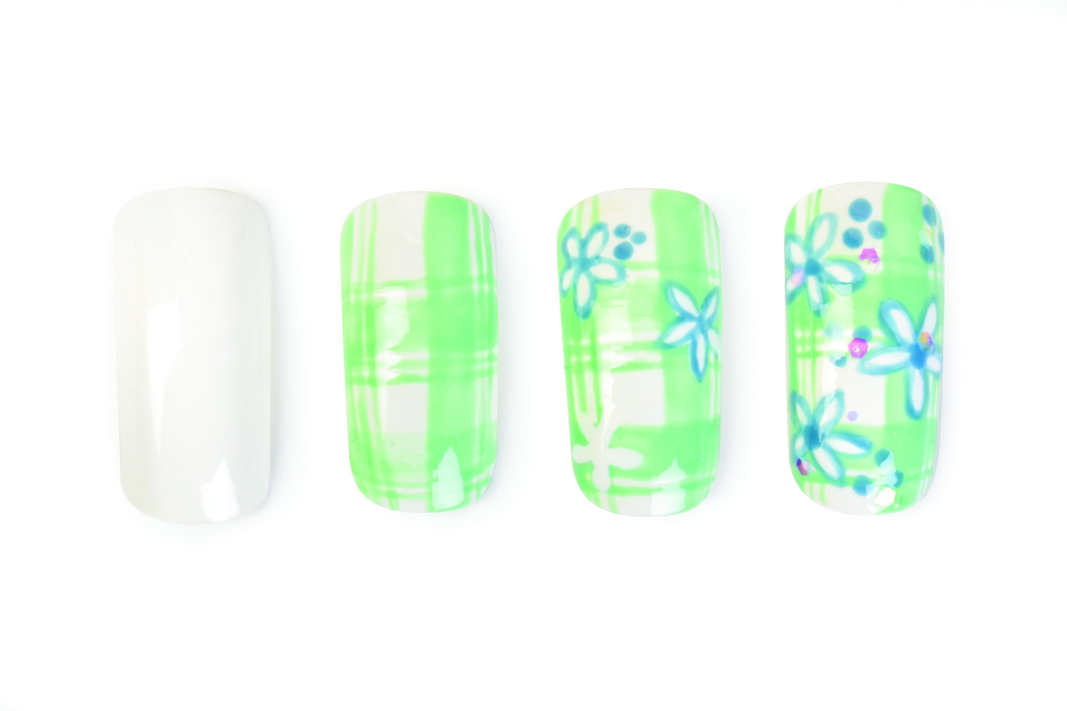 Nail Art Studio: Floral Plaid