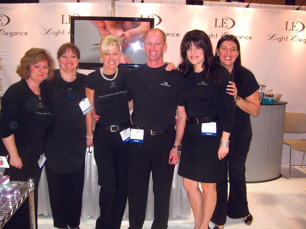 <p>That&rsquo;s a good-looking team at the Light Elegance booth. From left to right are Kristen Dutcher, Jayne Berger, Lezlie McConnell, Jim McConnell, Liz Hyerstay, and Josephine More.</p>