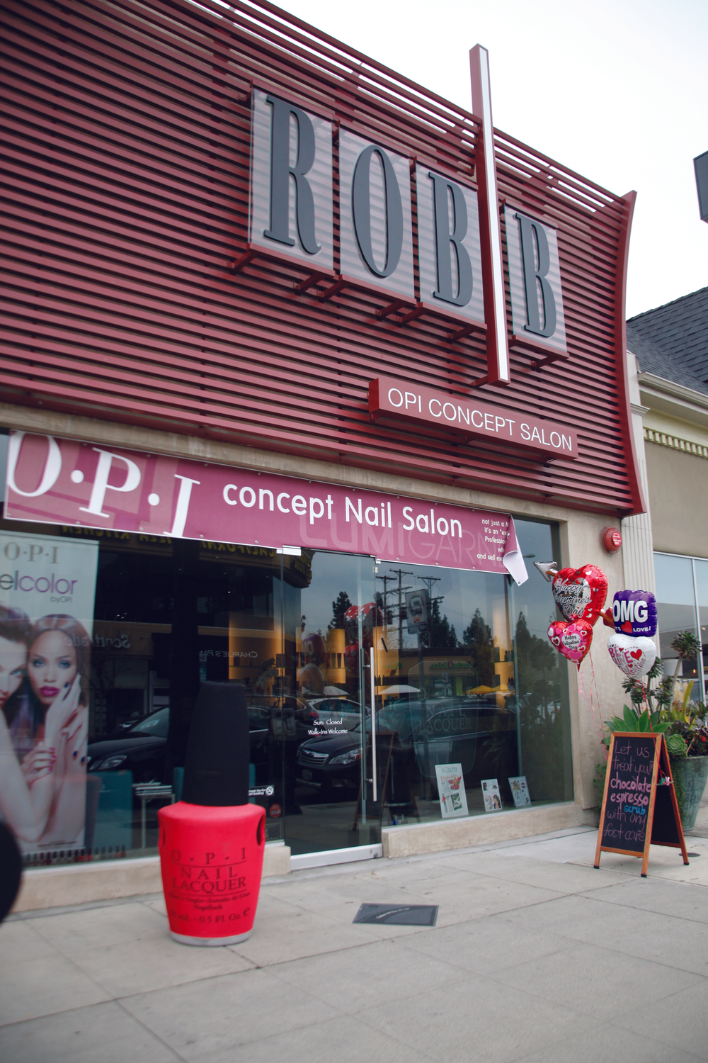 """<p>In Studio City, Calif., <a href=""""http://www.robbsalon.com/"""">ROB