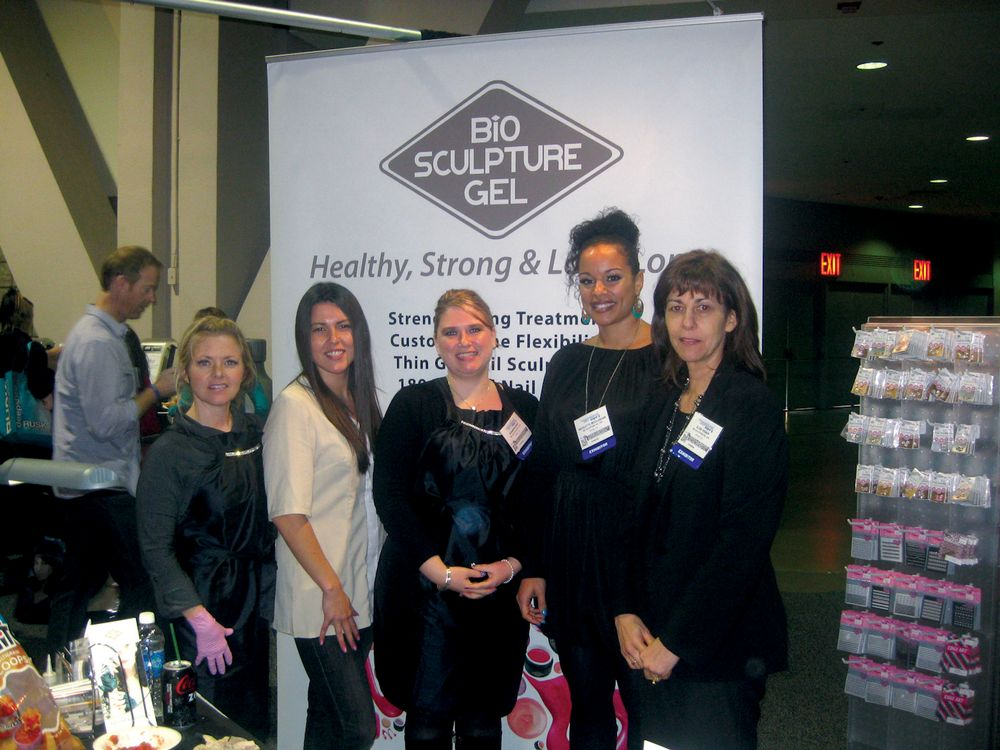 <p>Bio Sculpture Gel&rsquo;s Kristin Worthington, Lauren Renteria, Shannon Reed, Nicolette McGlashan, and Elsie Visser excitedly showed the company&rsquo;s new LED lamp to attendees.</p>