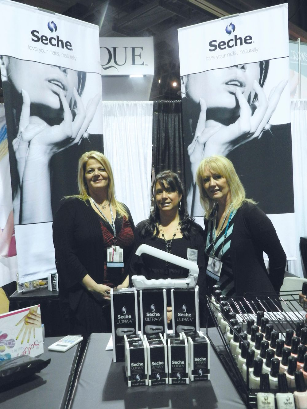 <p>Lori Golling, Heidi Bratton, and Carey Lucchesi talked up the Seche product line.</p>