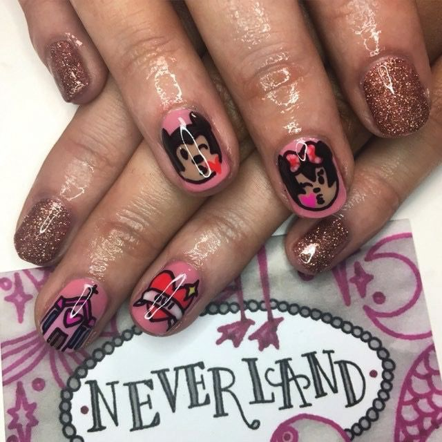 "<p>Frenchie Watson</p> <p>Glasgow, Scotland</p> <p><a href=""https://www.instagram.com/offtoneverlandnails/?hl=en"">@offtoneverlandnails</a></p>"