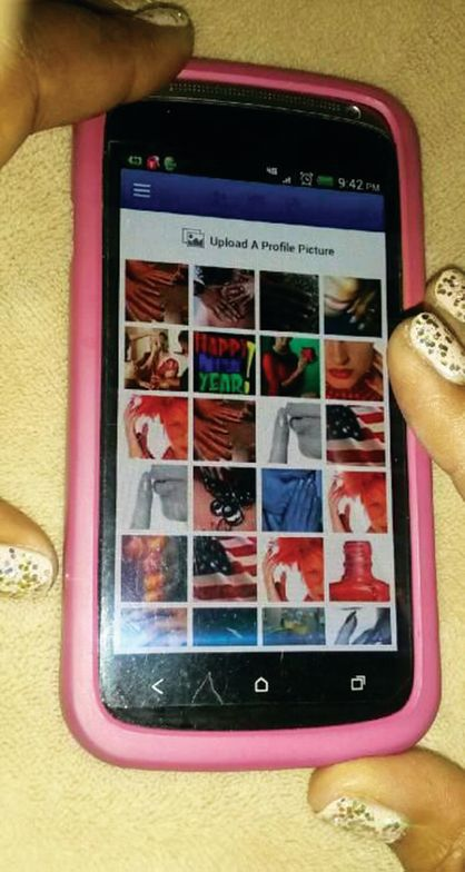 <p>In keeping with the minimalist decor of the spa I work at, there isn&rsquo;t room to display nail art. Digital and social media is the easiest way, as time is limited and all services are a la carte. I can pull my Android phone from my apron quickly to show clients examples of what I can do.<br />Valerie Ann Williams, <br />Spa Sydell at Park Place, Atlanta</p>
