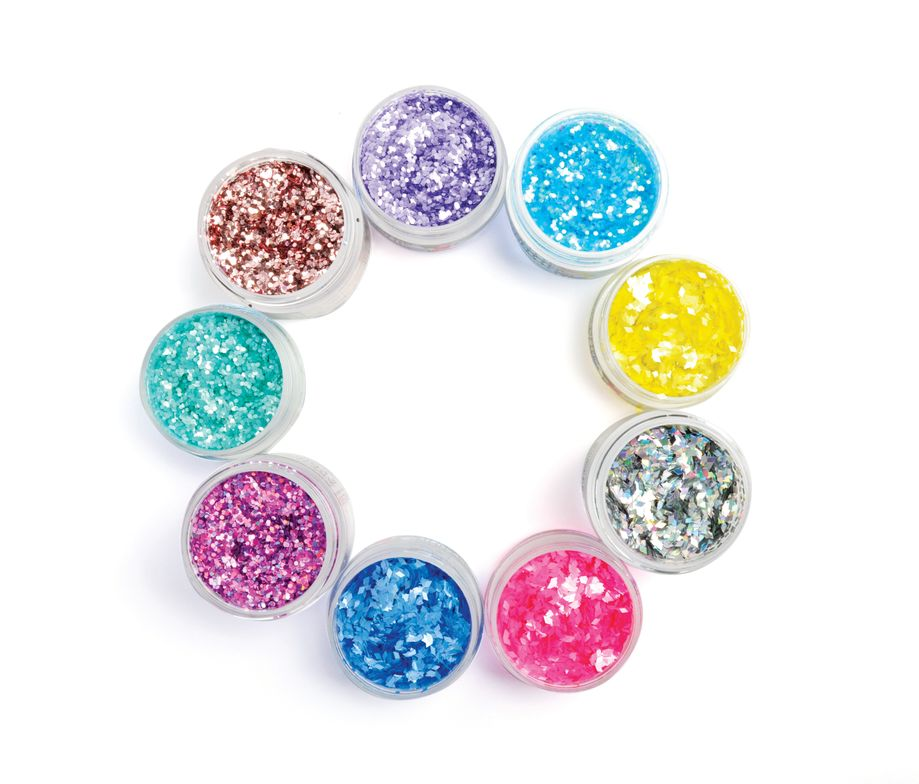 <p>C&aacute;cee offers a large variety of nail art fun with Art &amp; Glitter Confetti available in a high-shine or matte finish. Add a little (or a lot) to complement any simple look.&nbsp;</p>