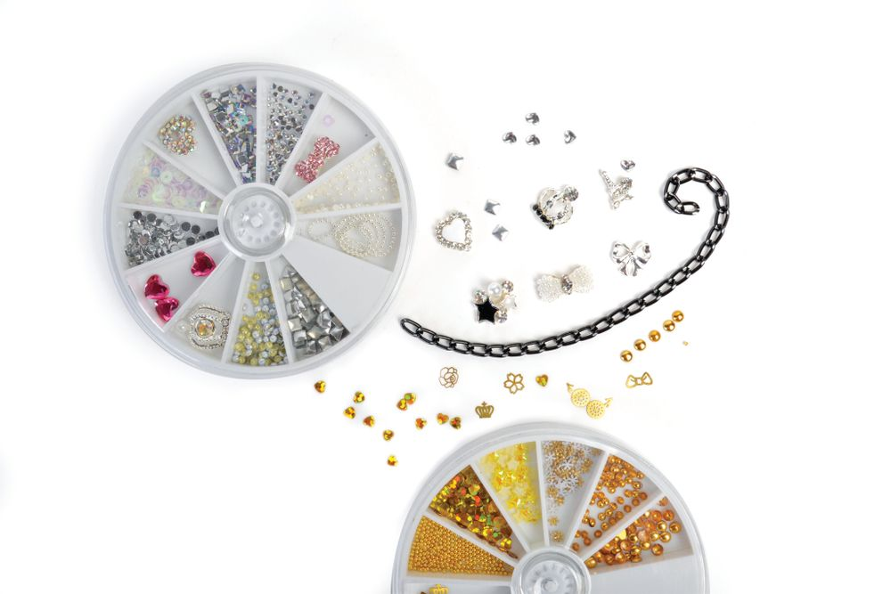 <p>Enhance any manicure or pedicure with Cinapro charms, studs, rhinestones, and gems. The accessories are packaged in a convenient wheel for easy storing and it will help you stay organized.&nbsp;</p>