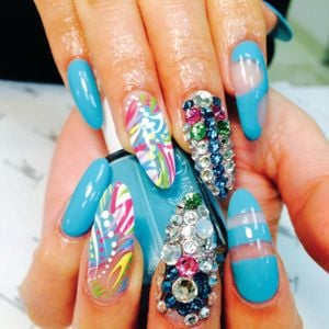 Mario Tricoci Nail Artist Wins With Turquoise