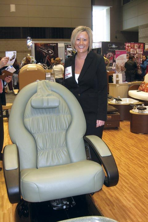 <p>Dawn Holz, European Touch&rsquo;s vice president of sales, was happy to talk to attendees about the company&rsquo;s new Tuscany Spa (shown) and Omni Spa.</p>