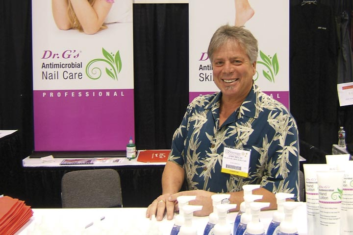 <p>Andy Hillas of Dr. G&rsquo;s gave out samples of the company&rsquo;s antibacterial products.</p>