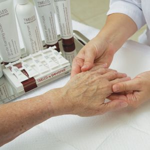 Timeless By Pevonia's De-Aging Hand Treatment