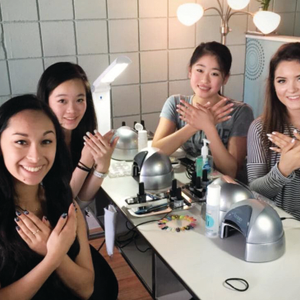 Nail Supply Store Offers DIY Nail Sessions