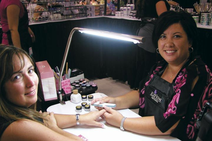 <p>EZ Flow educator MaeLing Parrish does a &ldquo;Time to Shine&rdquo; demo, which is the company&rsquo;s new glitter collection.</p>