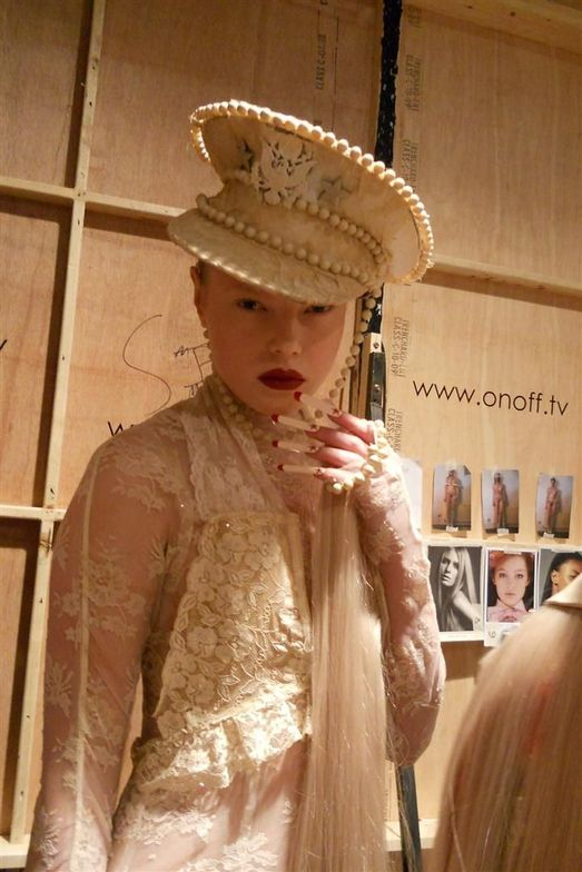 <p>At London Fashion Week, hat maker and wig designer Charlie Le Mindu&rsquo;s designs called for super-long nails to match the sky-high headpieces. The custom-made <strong>Minx</strong> nails are 5-cm. long in matte nude with a glossy blood red star at the bed and red on the free edge. <em>Photography by Marian Newman</em></p>