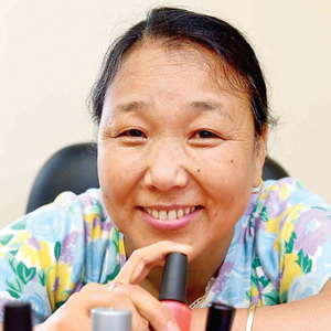 Salon Owner's Invention Benefits Tibetan Refugees