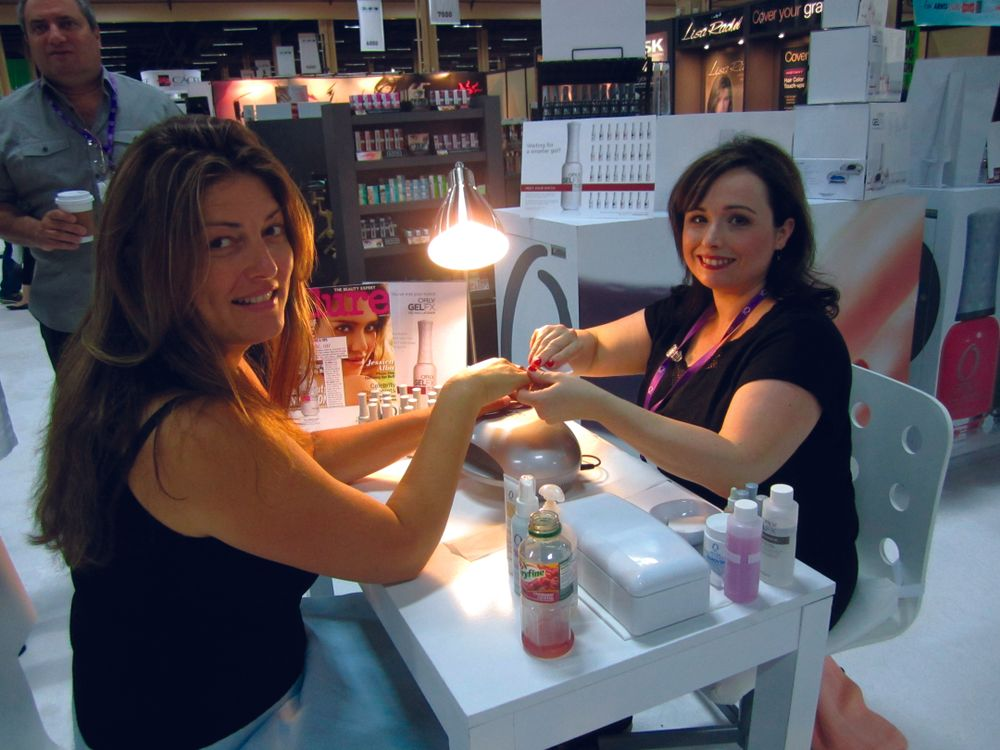 "<p><span style=""font-size: xx-small;""><span lang=""EN""> <p align=""left"">NAILS associate publisher Michelle Mullen got a chance to try out Orly&rsquo;s new GelFX gel polish from Sarah Andersen.</p> </span></span></p>"