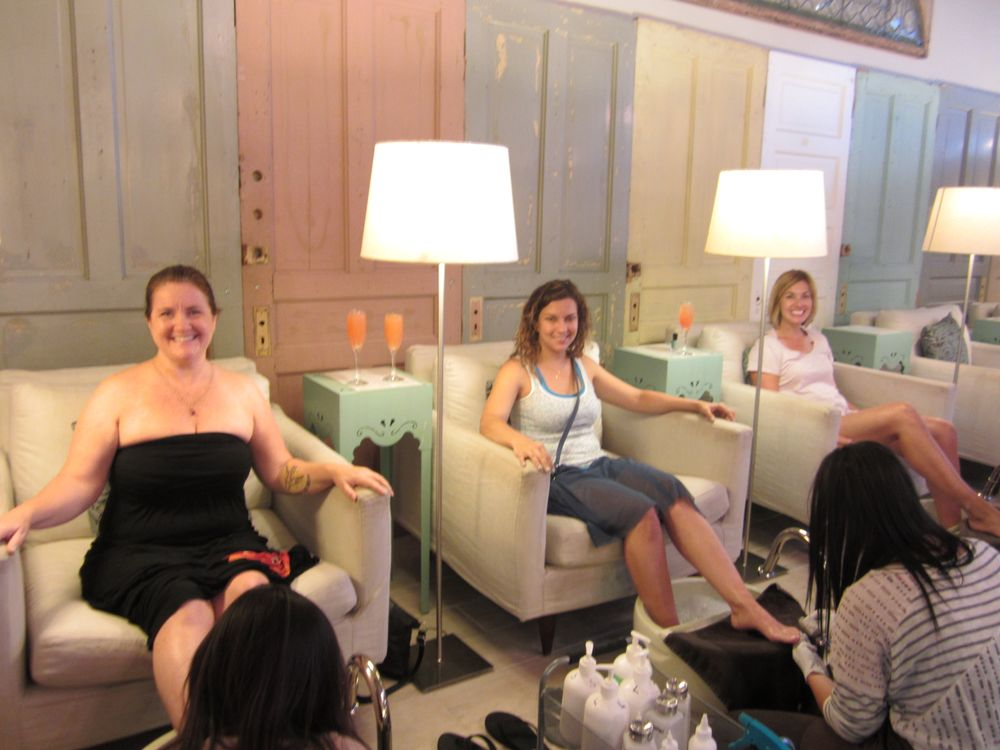 <p>At Sweet Lily Natural Nail Spa with my cousins and friends.</p>