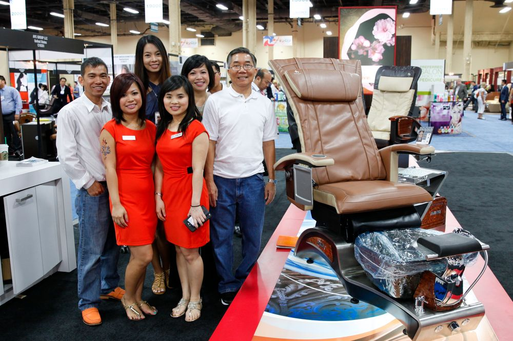 <p>T4&rsquo;s Thuy Mai, Phuong Nguyen, Nhung Mai, Trang Ngo, Tammy Gee, and Jimmy Nguyen promoted T4&rsquo;s Stellar pedicure chair on a makeshift pedicure chair runway at their booth.</p>