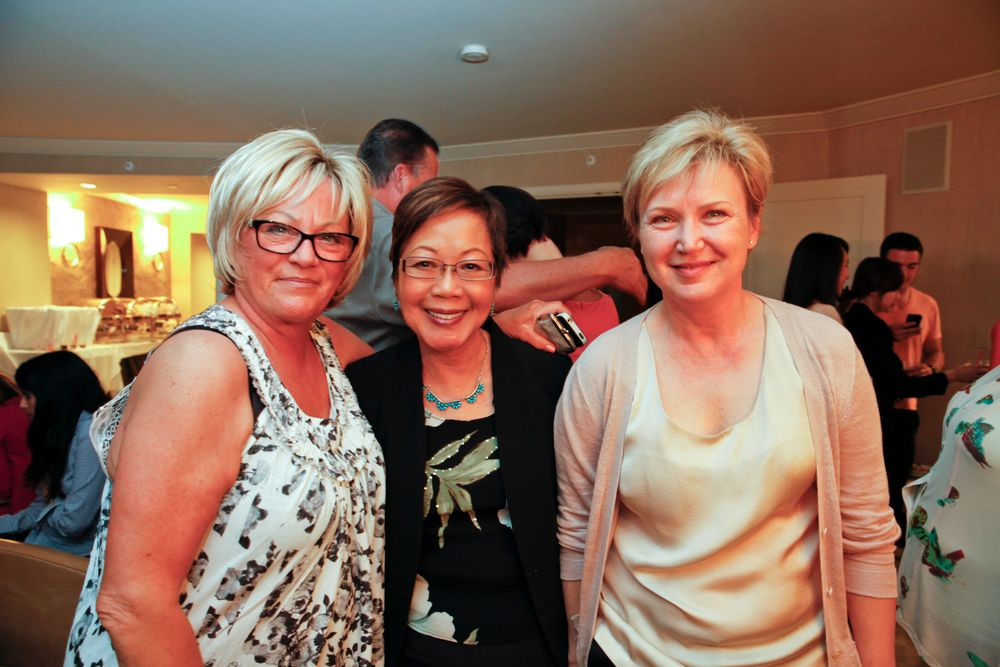 <p>Vicki Peters, VB Cosmetics' Vivian Valenty, and Belava's Natalie Zolotnik</p>