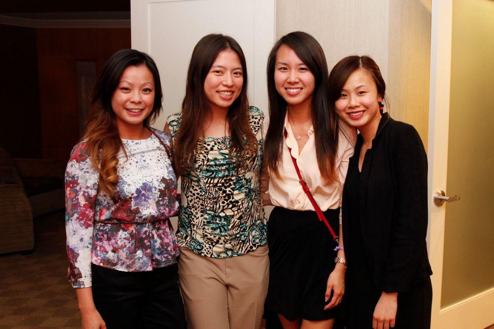 <p>NAILS' Kim Pham (second from the left) with&nbsp;Bio Seaweed Gel's Sarah Luu, Linda Giang, and Hellen Luu</p>