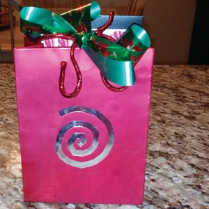 Show Your  Clients You Care With Homemade Holiday Gifts