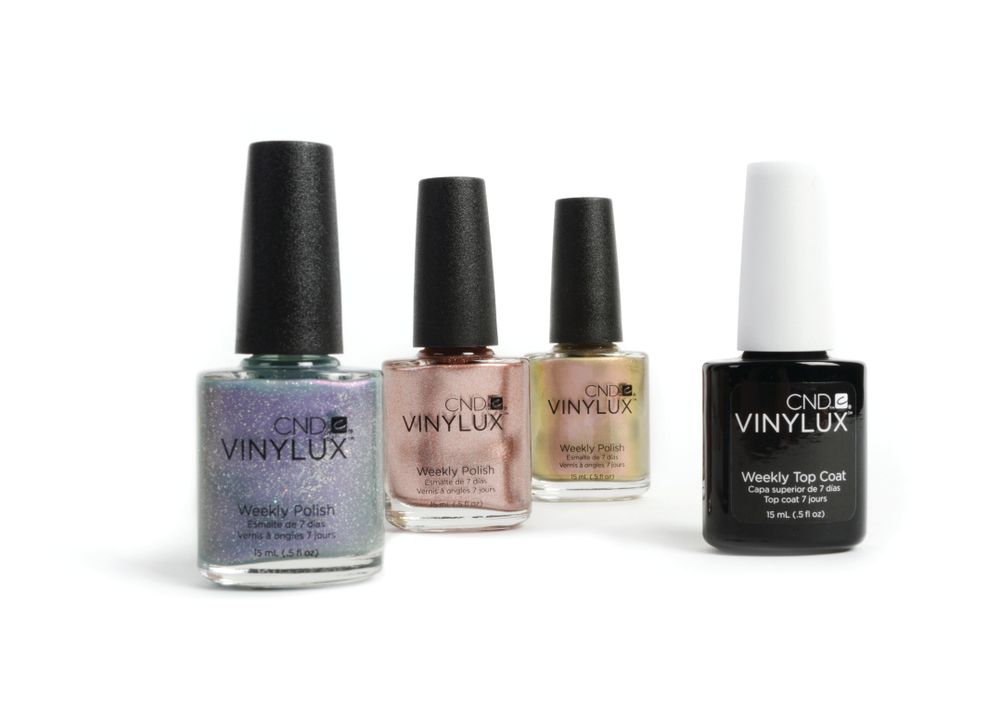 <p>Change your manicure every week with three glamorous shades included in the limited edition CND Vinylux weekly polish Gilded Dreams Pop Collection. The set includes Grand Gala, Chiffon Twirl, Dazzling Dance, and Vinylux Weekly Top Coat.&nbsp;</p>