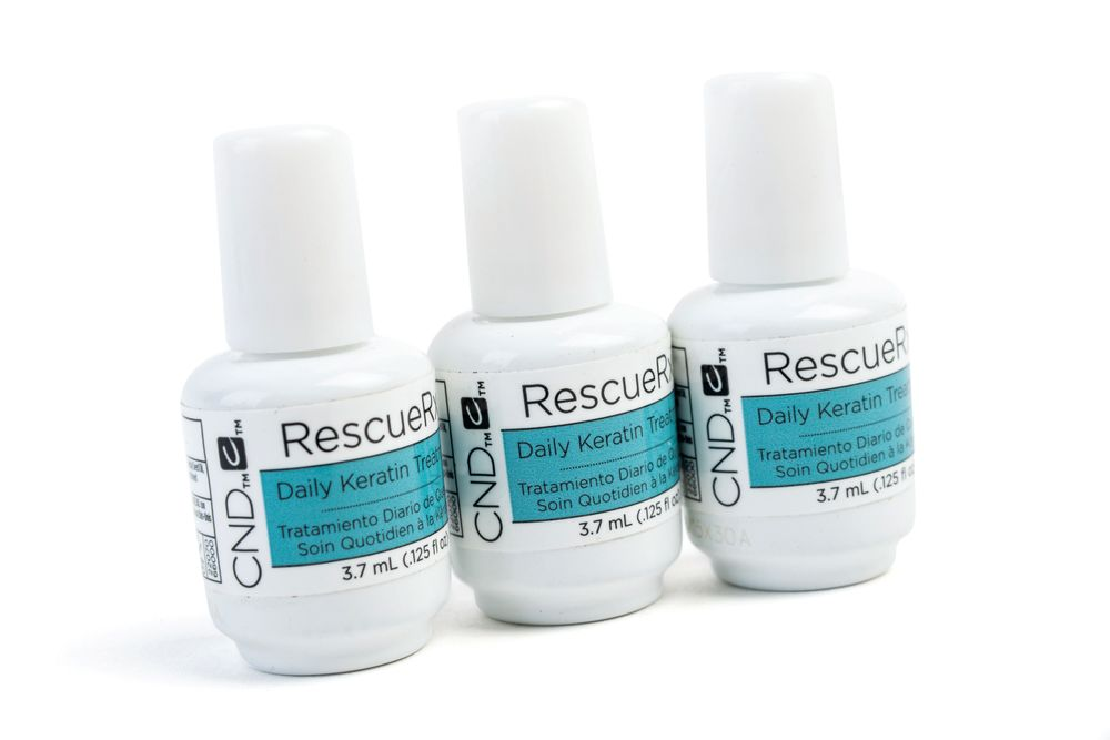 <p>Featuring keratin, jojoba, and almond oils that strengthen the nail plate and surrounding area, CND&rsquo;s RescueRXX dramatically reduces peeling and white spots for healthier, moisturized, more naturally beautiful nails.</p>