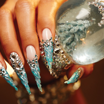 Behind the Scenes: Icicle Snowglobe Nails