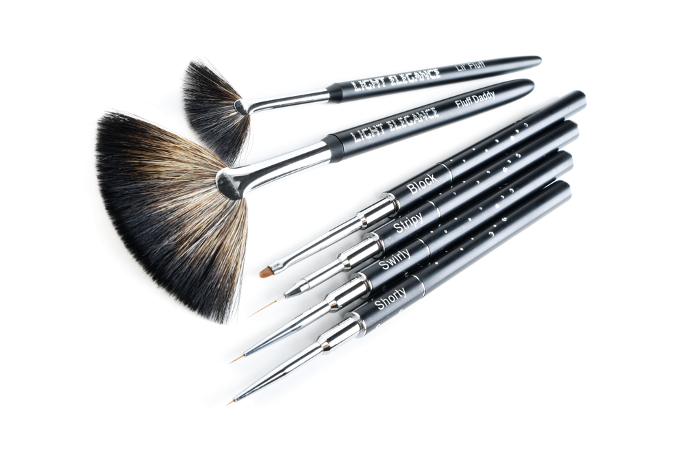 "<p>Light Elegance Celina Rydén Signature Series Art Brush Kit<br /><a href=""http://www.lightelegance.com"">www.lightelegance.com</a></p>"