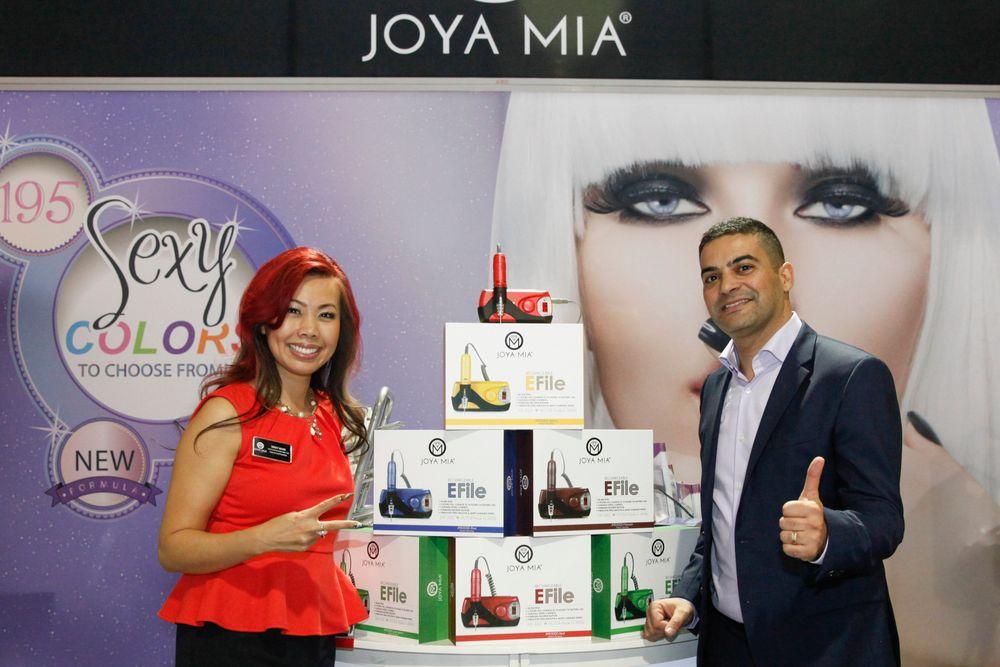 <p>Joya Mia's Sindy Mark and Benny Dadon promoted Joya Mia's rechargeable and portable E-file.</p>