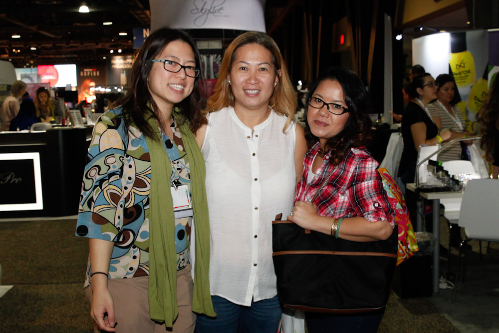 <p>NAILS/VietSALON senior editor Kim Pham with Gelish's Thao Nguyen and Bobbie Naohara</p>