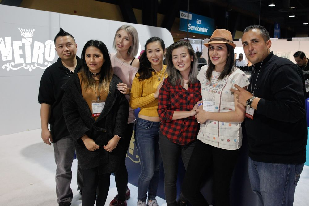 <p>Team Vetro: David Ngo, Fariha Ali, Tatiana Grigorash, Megumi Hasegawa, Paola Ponce, and David Anthony</p>