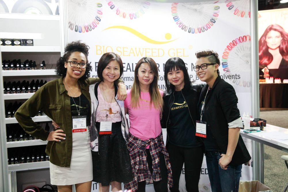 <p>Bio Seaweed Gel's Leshaunda Gray, Amy Luu, Sarah Luu, Hellen Luu, and Michelle Le</p>