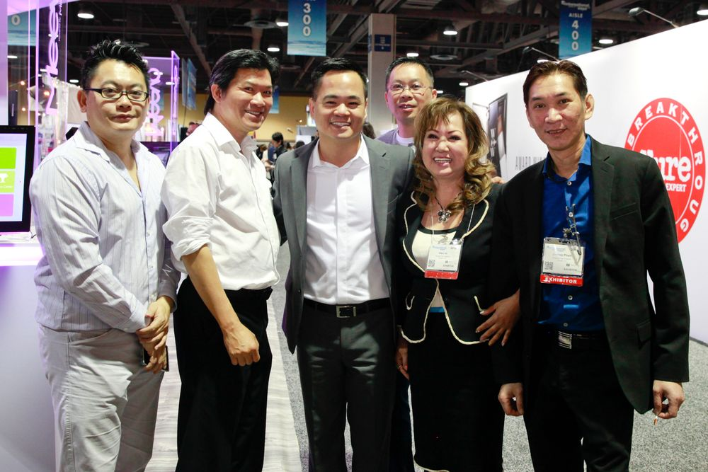 <p>Danny Tran, Song Anh Tu Nguyen, M.D., Charles Nguyen, M.D., Mike Vo, Charlie Vo, and Joseph Pham</p>