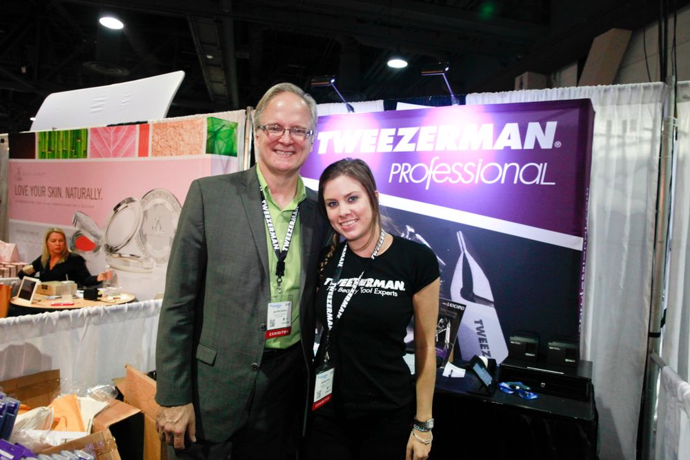 <p>Tweezerman's Jack McClendon and Jen Black</p>