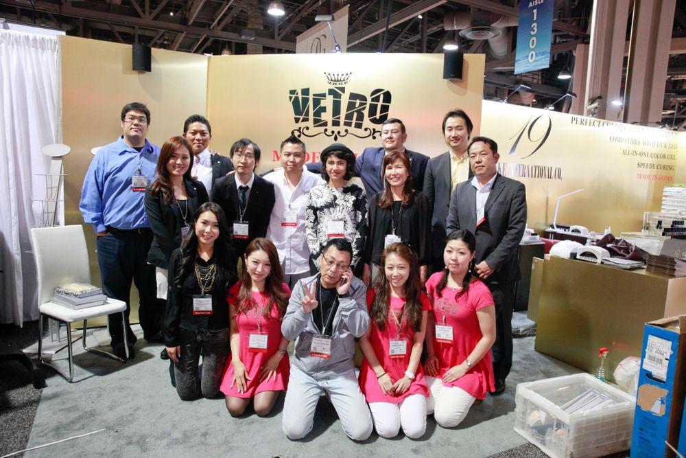 <p>Vetro's team in full force: Alan Yuan, Siwei Luo, Osono Akihiro, Freddy Chan, David Ngo, Fariha Ali, Wasaki Mikio, Michelle Noda, Fei Yuan, Noda Takayuki, Megumi Hasegawa, Kanehira Tomomi, Vetro CEO Masahito Takebayashi, Sugimoto Mami, and Odashima Nao</p>
