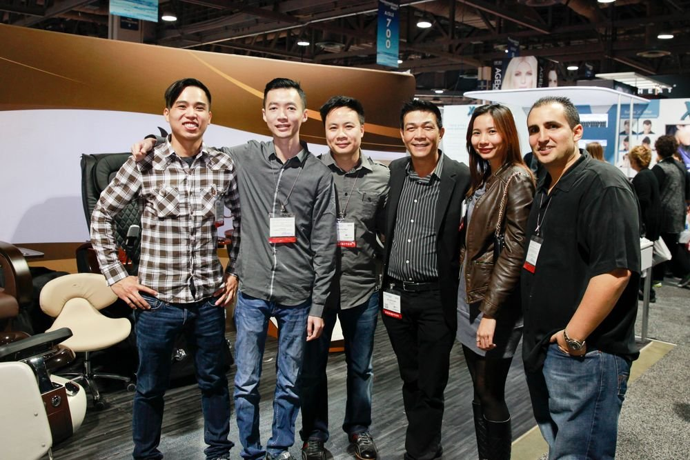 <p>Whale Spa's Andy Luu, Huy Huynh, Johnny Ngo, AII's Kelvin St. Pham, Whale Spa's Thuy Huynh, and Valentino Beauty Pure's David Anthony</p>