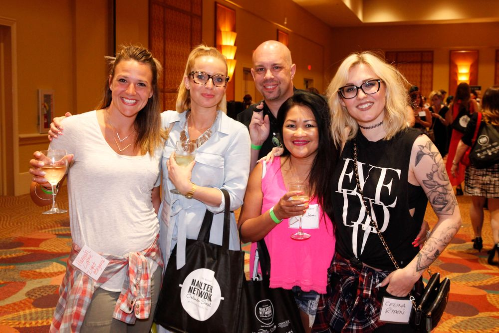 <p>Light Elegance's Hannah Lippke, Ruth Deruddere, Rob Walter, Mylyn Hansen, and Celina Ryd&eacute;n</p>