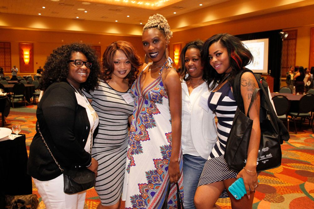 <p>Chris Davis, Johnetta Clemons, Onisha Claire, Shawne Bailey, and Kiki Taylor</p>
