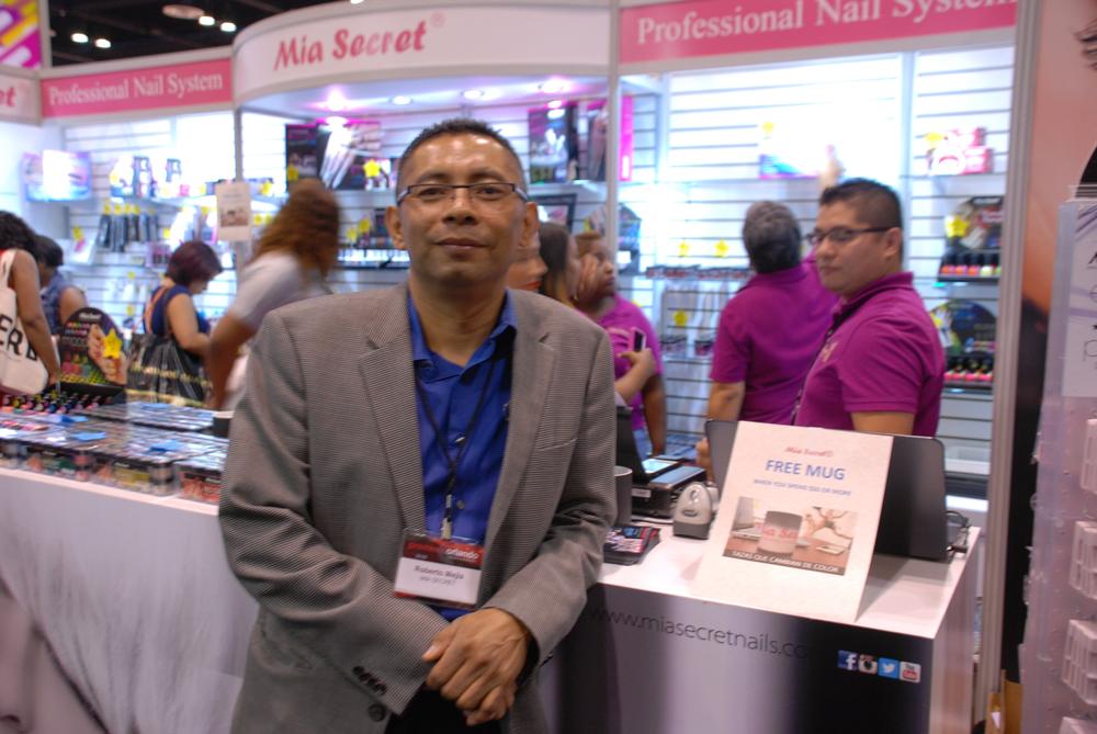 <p>Mia Secret's Roberto Mejia</p>