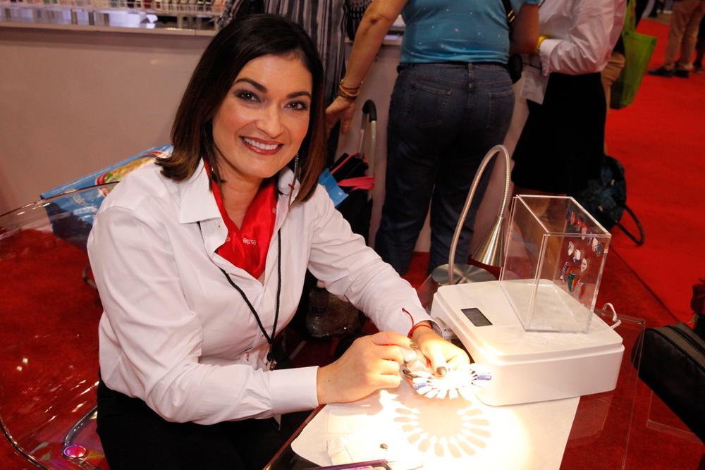 <p>Essie's Melissa Guyer demonstrates nail art using Essie Gel.</p>