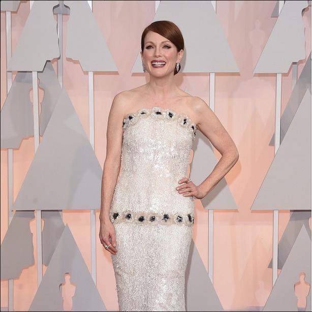 <p>Tom Bachik chose L'Oreal Paris Princess Sparkle to make Julianne Moore feel like a princess on Oscar night. Image via @lorealparisofficial</p>