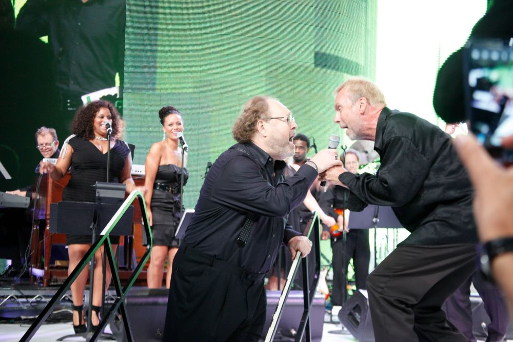 <p>Spirit of Life honoree, OPI founder George Schaeffer singing with the band.</p>