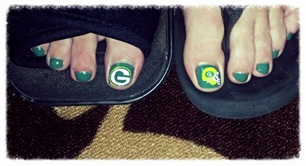 <p>Green Bay Packers pedicure by&nbsp;Liza Waitzman</p>