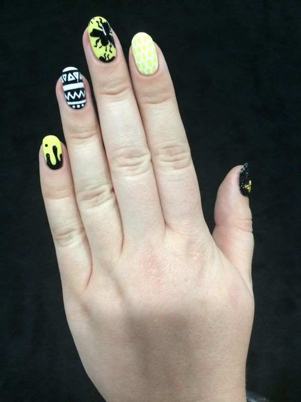 <p>Sarah Waite of Chalkboard Nails shares her gel-polish nail art.</p>